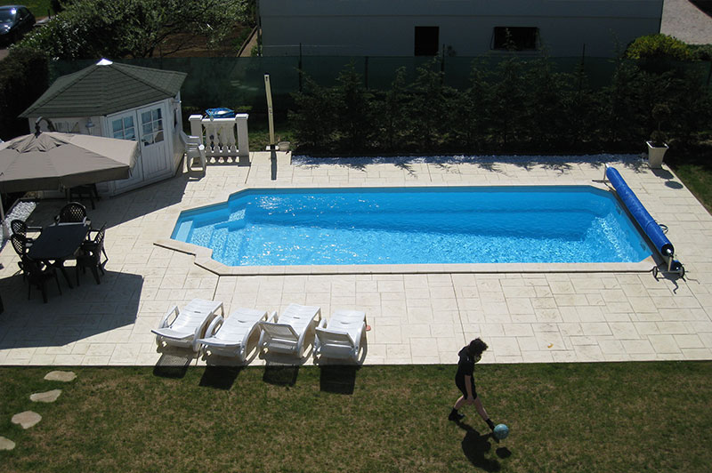 mapico, piscine coque polyester, piscine coque, porto-vecchio, corse, jardin, réalisations, devis, 1